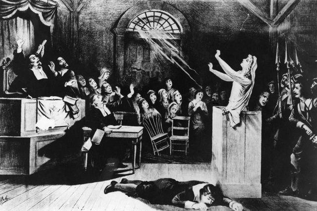 Nicht nur in Europa wurden über die Jahrhunderte unschuldige Frauen als Hexen verfolgt. In den USA erreichte der Hexenwahn 1692 seinen Höhepunkt – mit den Prozessen von Salem. In dem tragisch…