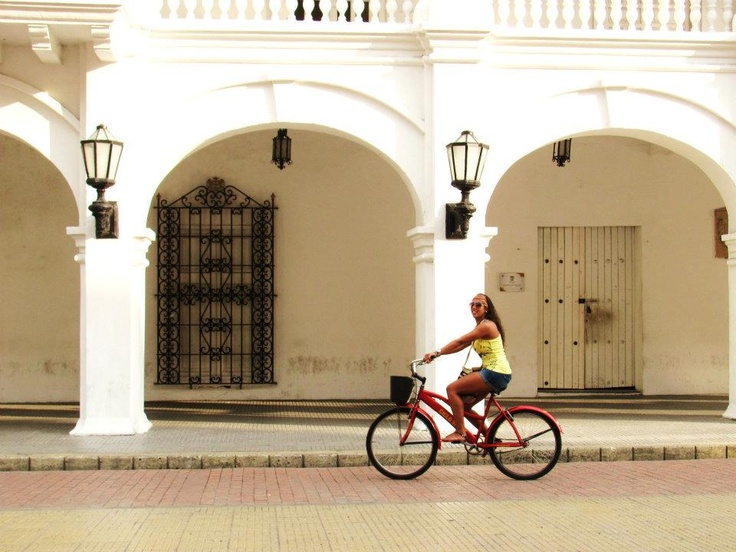 Ana biking through Plaza de la Proclamación
