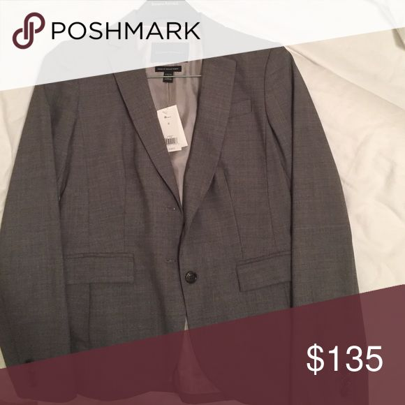 Banana Republic women's suit Jacket NWT size 8 NWT size 8 Banana Republic Suit Jacket. Gorgeous and versatile gray with charcoal buttons. Originally $198. Banana Republic Jackets & Coats Blazers