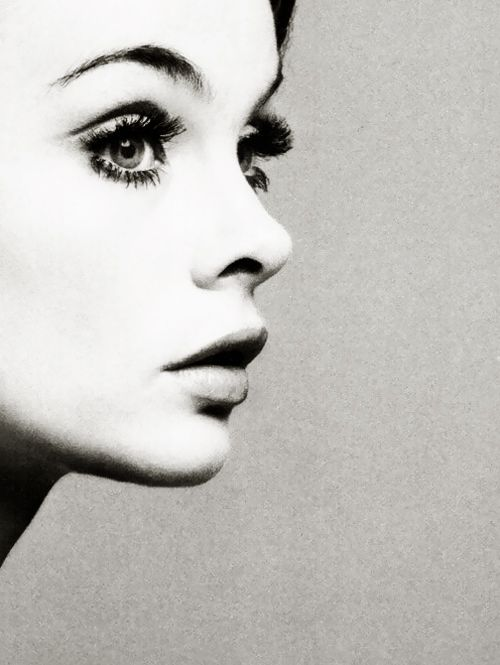 Jean Shrimpton photographed by Richard Avedon.