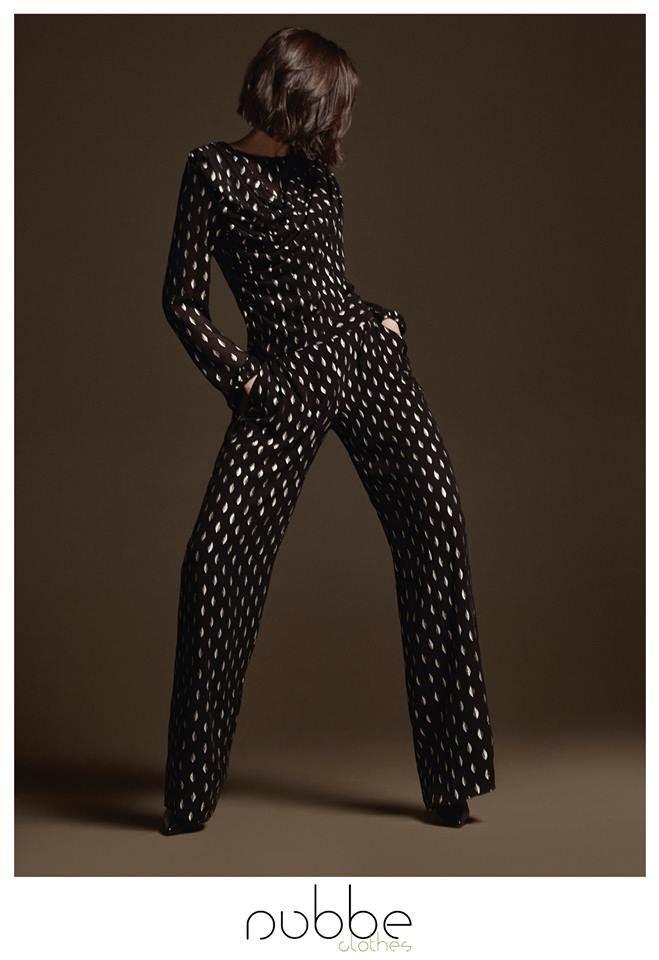 La actriz Mar Flores ya apostó por este espectacular conjunto estampado de blusa y pantalón palazzo, ideal para estas fechas... ¿y tu? ¡Feliz semana! #eventos #Nubbe #Nubbeclothes #estilo #moda #FW1516 #Navidad #Christmas #madeinSpain