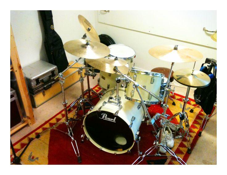 Mina trummor sedan 1997. Pearl WLX från cirka 1985. Bra grejer.