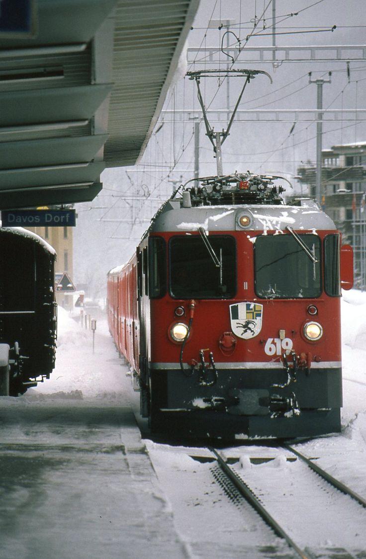 "Rhätische Bahn (RhB), Ge 4/4 II 619 ""Samedan"", Davos Dorf (GR)"