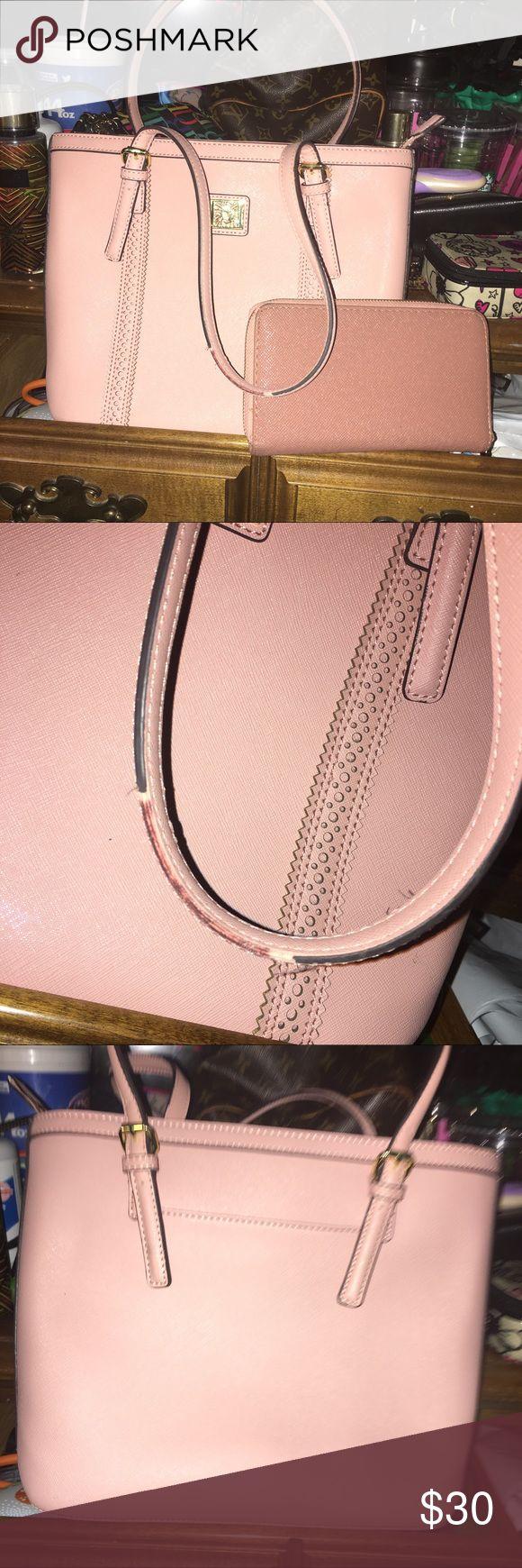 anne klein handbag set wallet is no name brand but is included anne klein handbag no rips small handles shows some peeling nothing major Anne Klein Bags Shoulder Bags