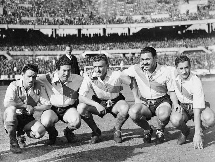 Delantera de River Plate en 1947: Lostau, Labruna, Di Stefano, Moreno Muñoz.
