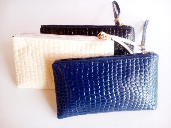 SUPER PRICEclutch purse bag faux leather crocodile by mademeathens