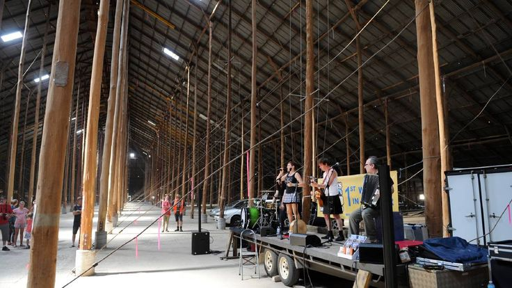 The Boarderers' concert at  the Murtoa Stick Shed. Murtoa Big Weekend 2015. Wimmera Mail Times photo.