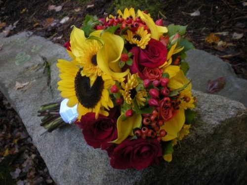 wedding bouquets bridesmaids 44 best fall wedding flowers images on wedding 8495