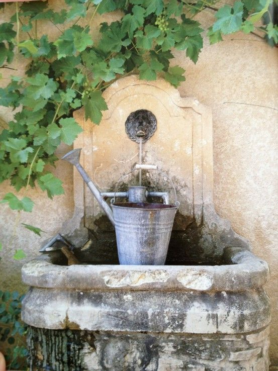fontaine: Water Fountain, Secret Gardens, Cottages Gardens, Grape Vines, Water Features, Gardens Fountain, Outdoor Fountain, Water Cans, Gardens Art