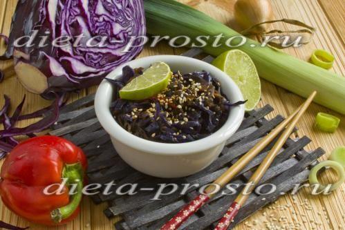 Рагу из красной капусты с томатной пастой и овощами по Дюкану