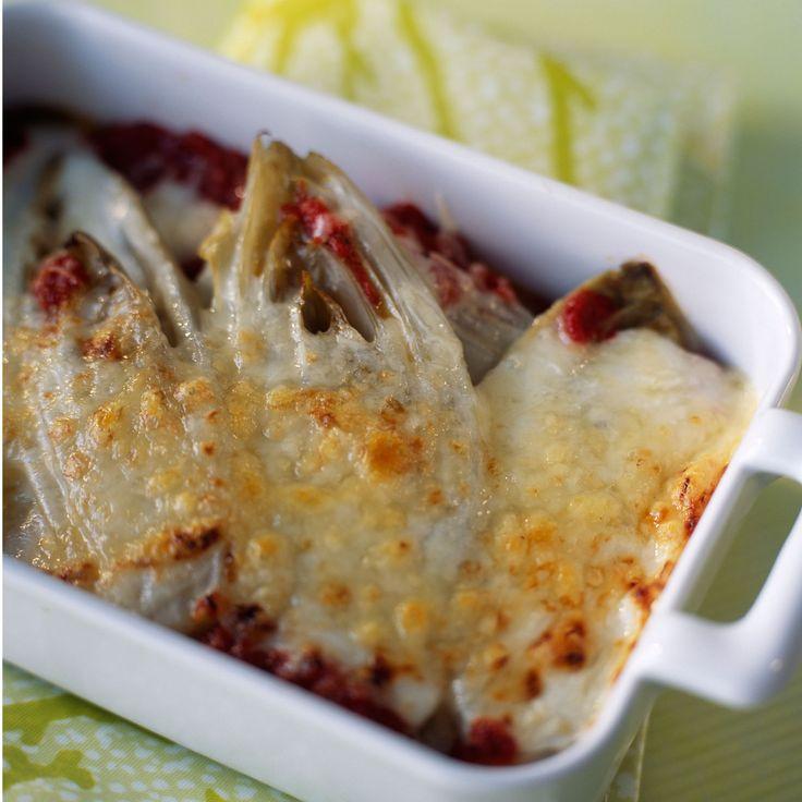Découvrez la recette des endives au four à la tomate