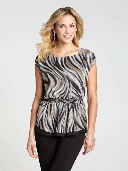 """Laura Petites: for women 5'4"""" and under. To incorporate a little Spring excitement into your daily look, we love this printed top! It features a shirred waistline to keep it snug and define your figure. And, for a peep of fun, a keyhole nec4010336-0468"""