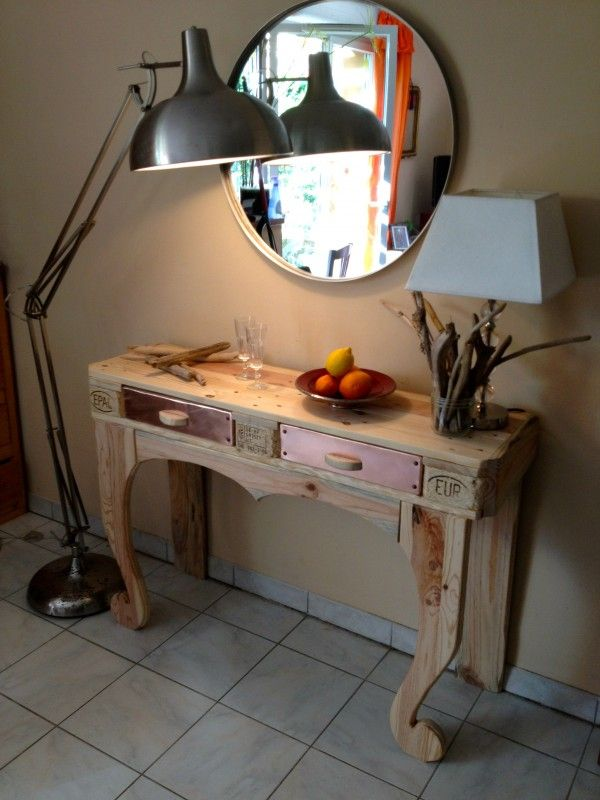 Winner of autumn contest: pallet console