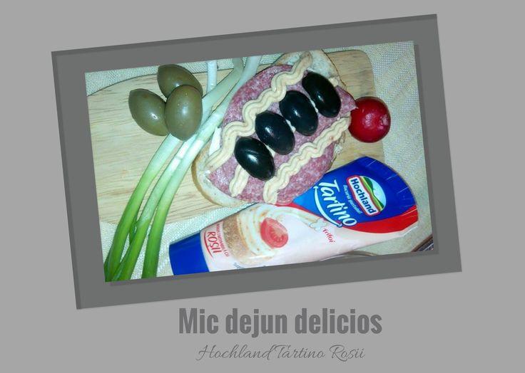 Hochland Tartino Rosii ,primul produs testat. Mic dejun delicios cu branzica tartinabila de la Hohland Bucuria gustului . Gust divin,moale si catifelata,noua branza tartinabila nu va lipsi din frigiderul nostru. #buzztartino BUZZStore