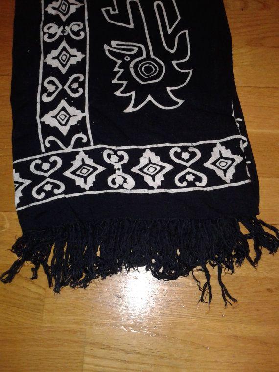 black-and-white-batik-sarong