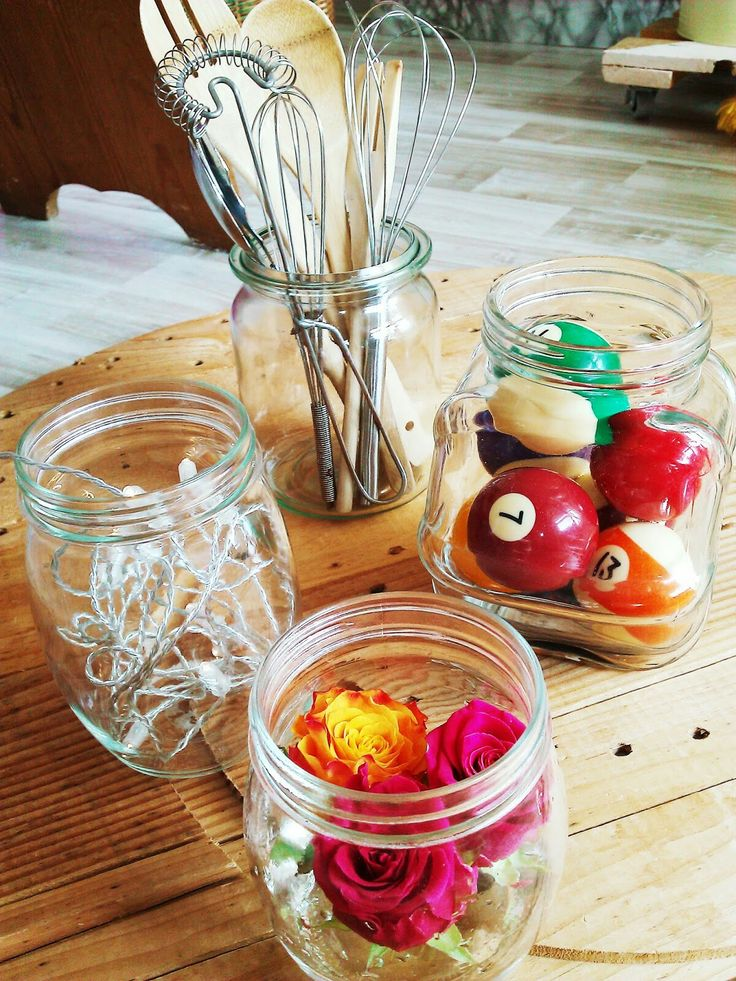 What to do with an empty glass jars? This are my four top ideas.