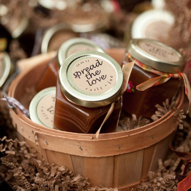 25 Fresh Ideas For Wedding Favors. To see more: http://www.modwedding.com/2014/03/27/25-fresh-ideas-for-wedding-favors/ #weddings #wedding #favor Photo: JM Photography