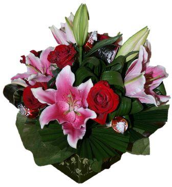 Bloomin Boxes :: Elegant Floral Arrangement
