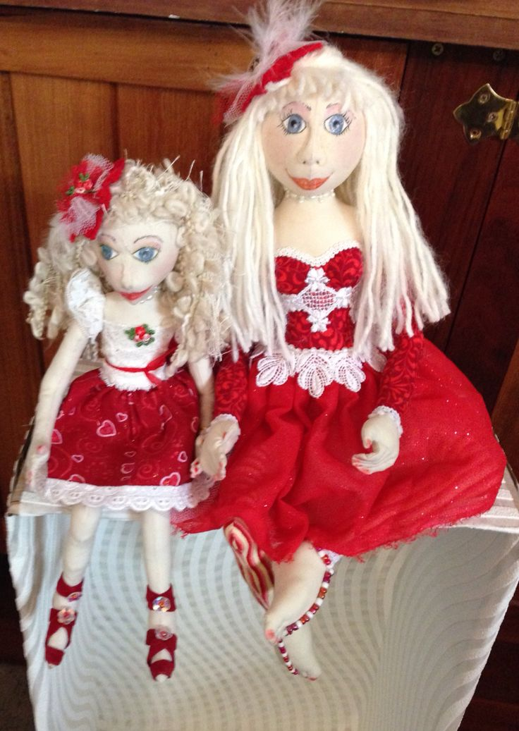 Sister art dolls