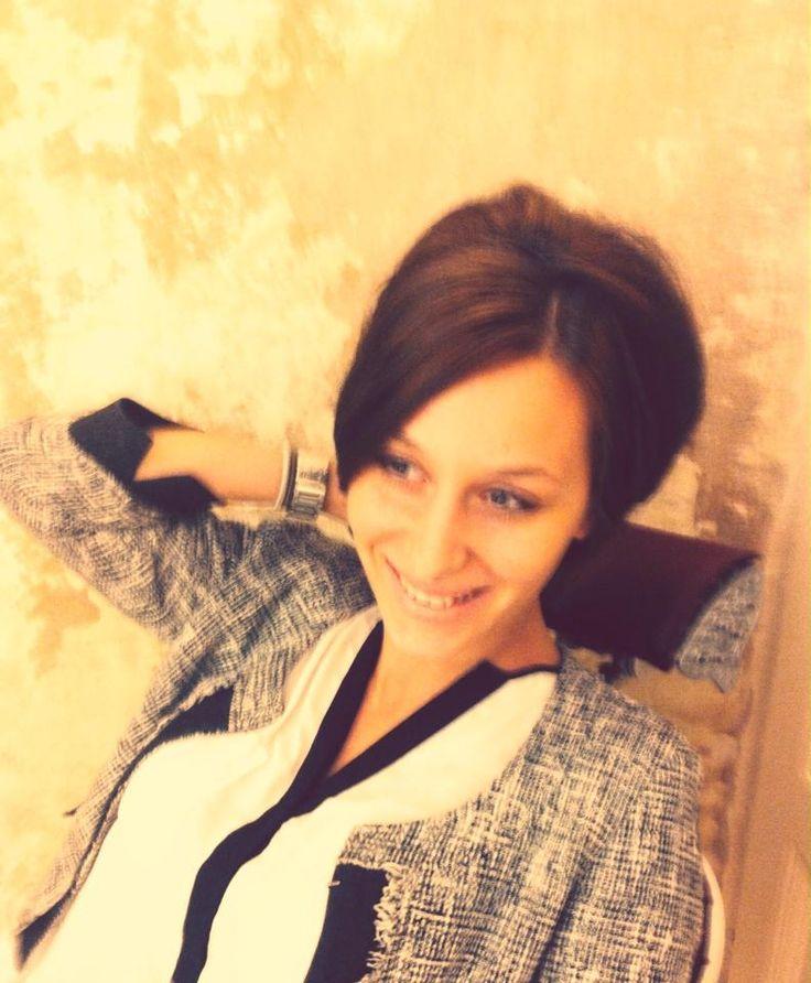 Jessica Tafili con una pettinatura vintage alla Goran Viler Hair SPA, esclusivo salone di Trieste.  https://www.facebook.com/GoranVilerHairSpa