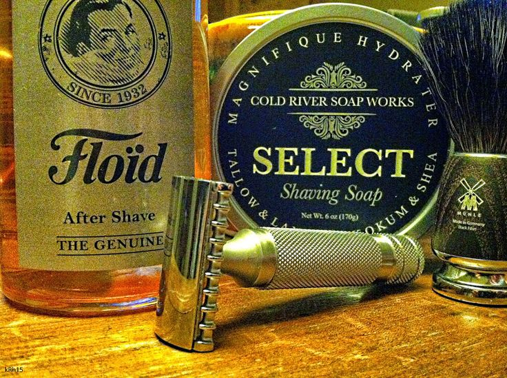 """#SOTD  - Georgetown Pottery G20 Scuttle - Muhle Rytmo Black Fibre Brush - Muhle R41 Razor Head On An MR8 Handle with a Bolzano Blade - Cold River Soap Works - American Barber Shop Soap - Floid Amber After Shave Tunes - Los Lobos - Kiko And The Lavender Moon - Chris Isaak - Blue Spanish Sky - Dead Combo - """"Quando A Alma Não É Pequena""""; Anadamastor - Stephane Wrembel - Bistro Fada"""