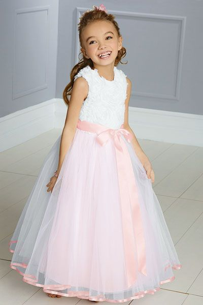 love how adorable these dresses are, I picture my flower girls looking like this wrapped in Pink and white.