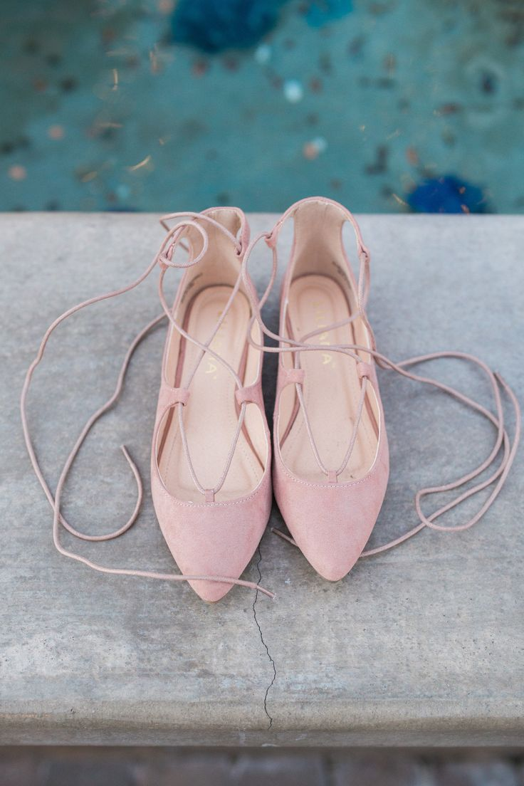 The sweetest, softest tie flat with the perfect muted color to ease into Fall!