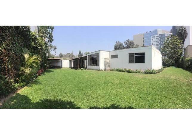 Venta de Casas de Casa en SANTIAGO DE SURCO - LIMA 3 Dormitorios y - 3897258 | Urbania Peru