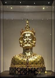 Le trésor de la cathédrale d'Aix-la-Chapelle -Carlos Magno