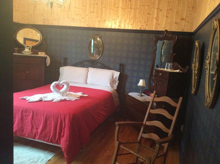 La chambre que l'on a nommé : la chambre des ancêtres en notre Couette & Café À la Québécoise au Centre-Ville de Québec :  418-529-2013