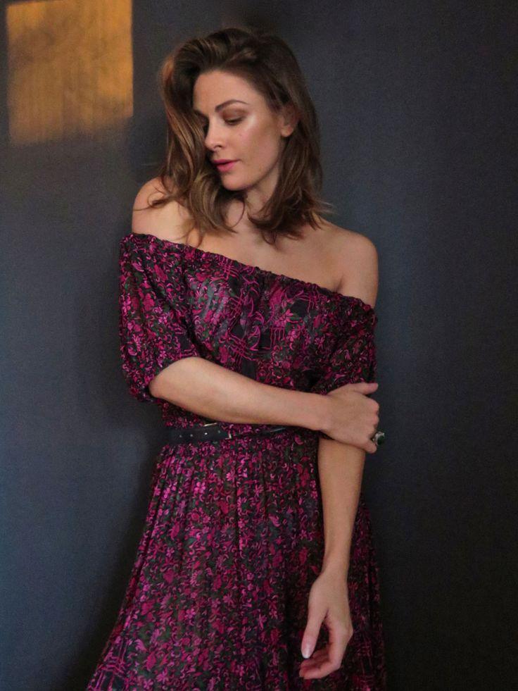 Her kan du lære hvordan du på 20minutter kan sy en kjole eller skjorte med bare skuldre.