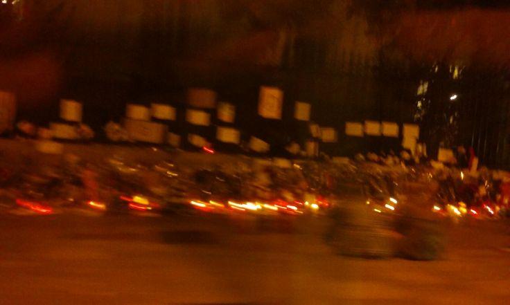 18 de noviembre Consulado de Francia. Paso con el coche. Me alejo con tristeza.
