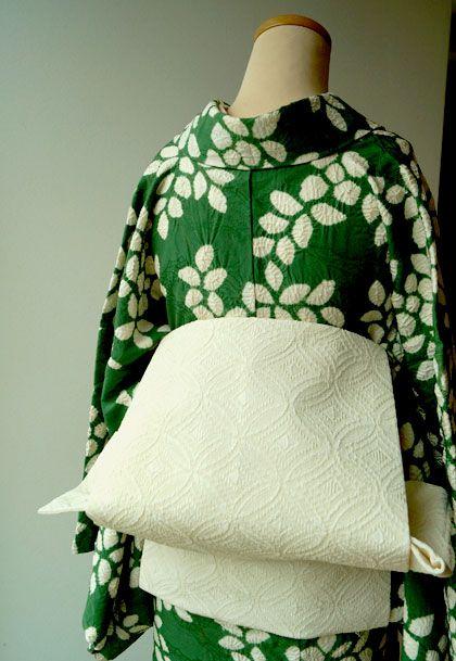【袷】深緑色葉柄絞り小紋と七宝文様アイボリー地名古屋帯 #kimono #着物   ちぇらうなぼるた雑記帳