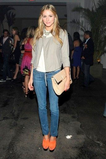 OP rockin': Orange Heels, Cute Shoes, Casual Olivia Palermo, Styles Icons, Hairs Color, Cool Shoes, Olivia Palermo Orange Bags, Bright Shoes, Olivia Palermo Orange Shoes