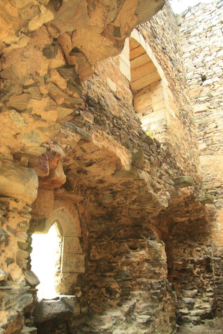 Rýzmburk Ancient castle near Osek (CZ)