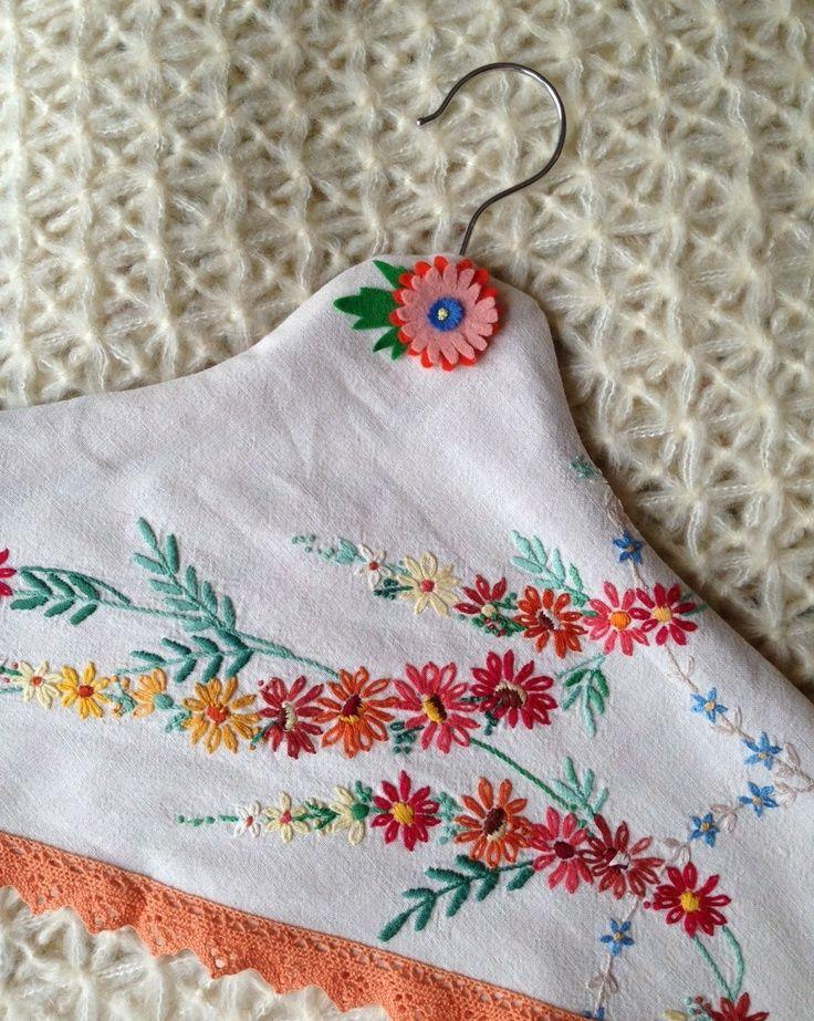 make a hanger cover from vintage table cloth// Jeska Hearne