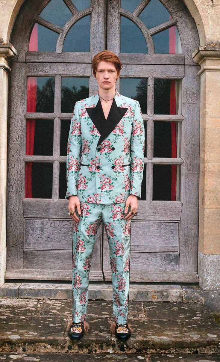 SISSYDUDE LOVES: KITTIES & FLOWERS!!! GUCCI'S 2017 CRUISE COLLECTION (via fucking young)
