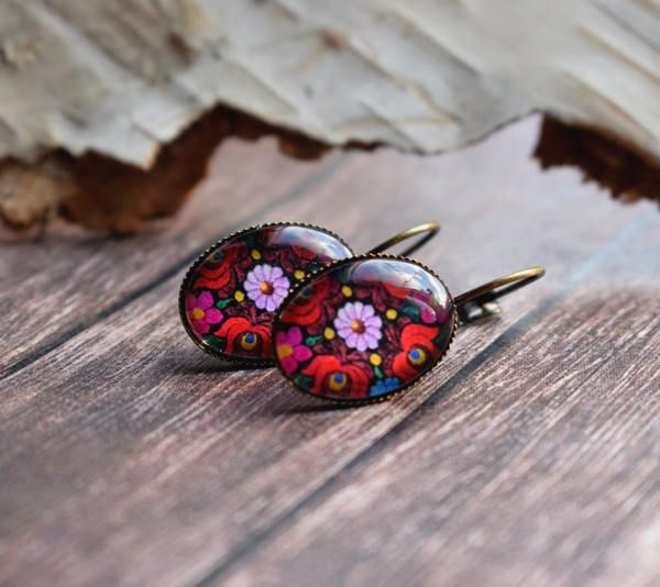 Hungarian folk tulips, leverback earring, floral bronze jewelry, hungarian earring, glass dome jewelry