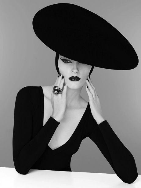 Glam Black & White Photography ❥ Mz. Manerz: Being well dressed is a beautiful form of confidence, happiness & politeness