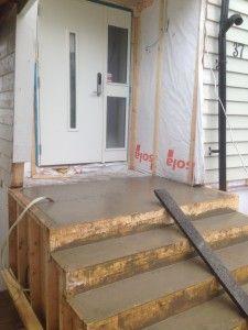 Inngangsparti med ferdig støpt trapp