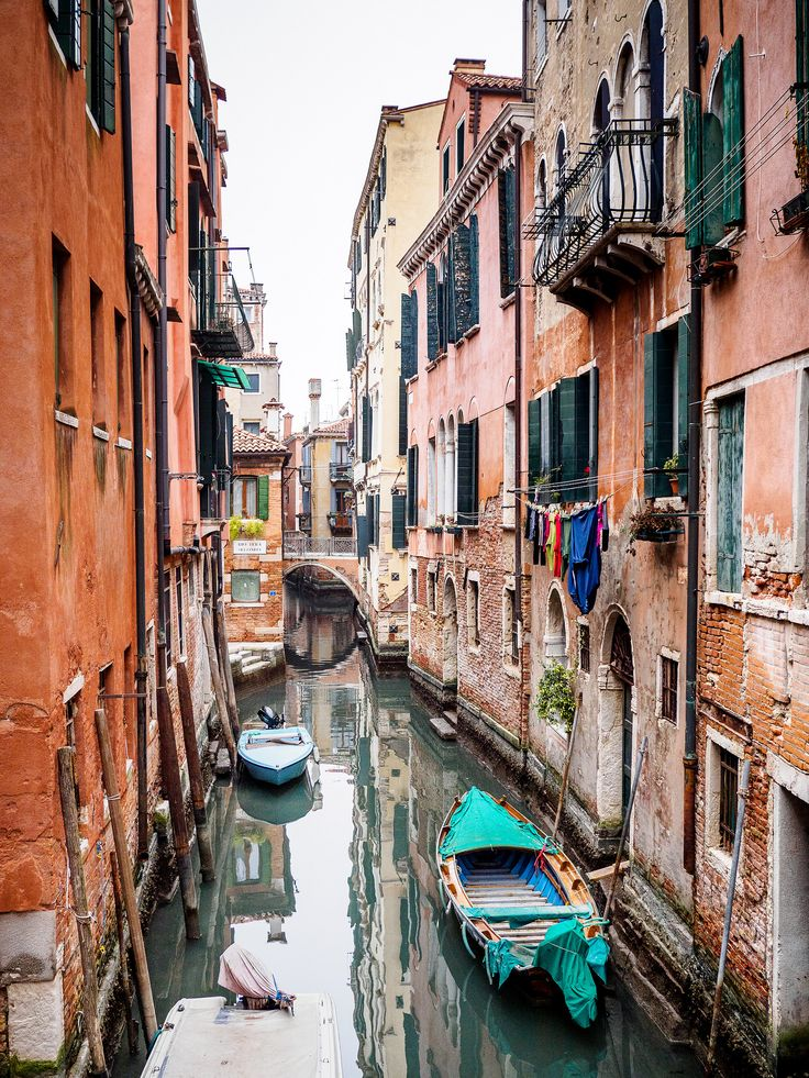 https://flic.kr/p/TPk3ho | Venice canal | Another canal in Venice.  This photo was taken using an Olympus OM-D E-M10 camera and Panasonic Lumix 20mm f/1.7 pancake lens.    See where this photo was taken.