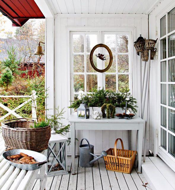 VAKRE HJEM & INTERIØR: Fint med litt pynt på terrassen