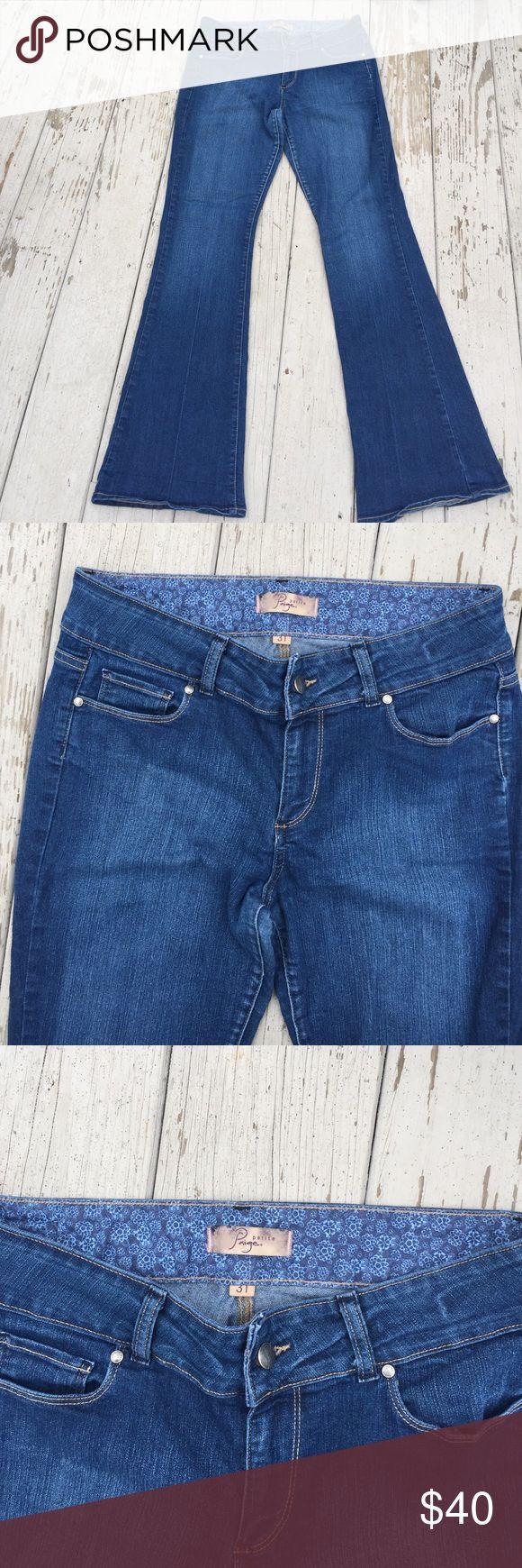 """Paige Jeans Holly Petite 31 Paige Jeans Holly Petite, five pockets, size 31, cut, inseam 31"""", rise 9 1/2"""". Paige Jeans Jeans Boot Cut"""