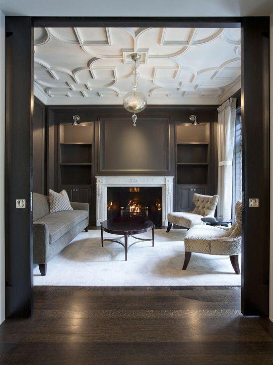 .: Living Rooms, Ceilings Details, Fireplaces, Wall Color, Interiors Design, Ceilings Design, House, Wallcolor, Dark Wall