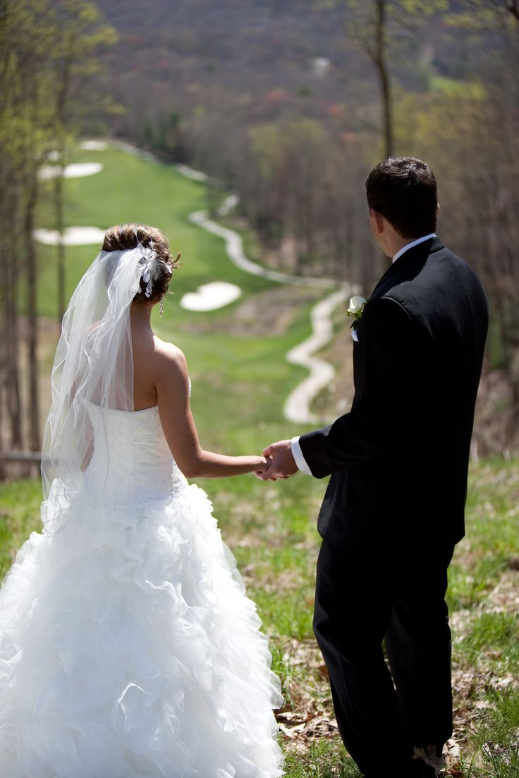 Golf and Weddings are two of our main specialties at the Resort at Glade Springs.  When the two meet, the result is an unforgettable scene of unparalleled beauty.  This couple posed for wedding photos on our breathtaking Woodhaven Course overlooking Glade Creek Gorge.