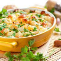 Овощная запеканка - вкусный ужин, аромат которого, так и приглашает на кухню к трапезе! Яркие вкус сочных сезонных овощей, нежный соус и пикантная сырная корочка сверху - вот за что многие так любят овощные запеканки! Лучшие рецепты приготовления этого аппетитного блюда мы объединили в коллекцию. Вы найдете множество вариантов запеканок с овощами и варианты с использованием риса, фарша, морепродуктов