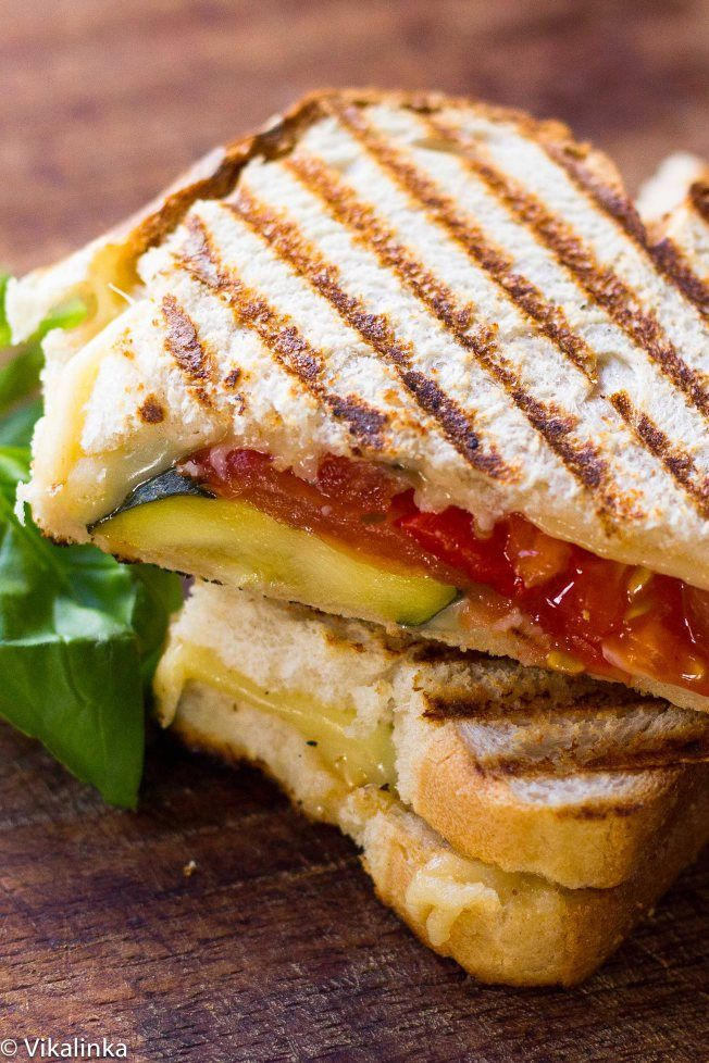 Grilled Gouda and Zucchini Sandwich #grilledcheese