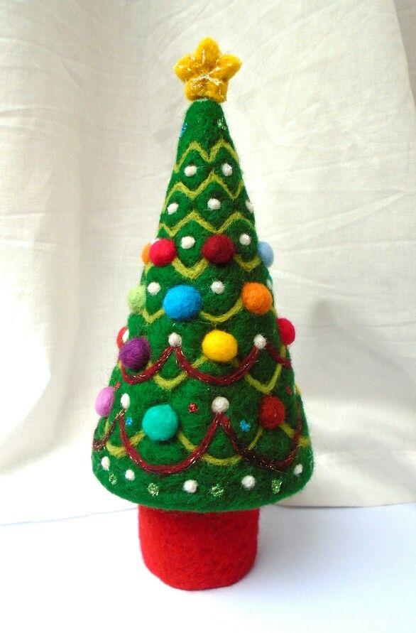 Needle felted Christmas tree - SShaw