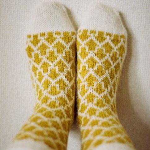 編み物無料レシピ(編み図)   靴下/レギンス/レッグウォーマー   矢印靴下   根岸まきほ