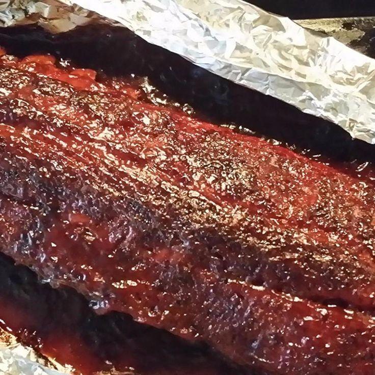 Super Simple (and GOOD) Pork Ribs - melt off the bone good! #easyrecipes #bbq